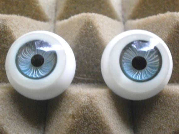 1 Pair Vintage 15mm Blue German Hand Blown pinch Back Oval Glass Doll eyes