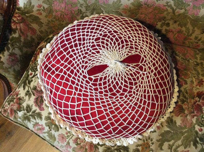 Kitsch Decor Red Round Cushion Boudoir Decor French Vintage Crochet Cushion Cover French Retro Hand Crocheted Cushion 70s Cushion