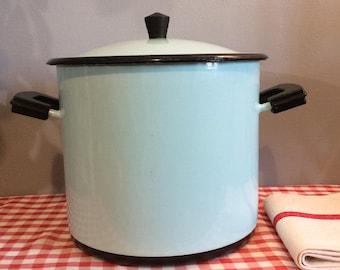 Vintage French 'AUBECQ' Baby Blue Enamel Casserole Pot, Mid Century Enamelware Casserole, Large Enamel Pot with Lid, Lidded Enamel Pot