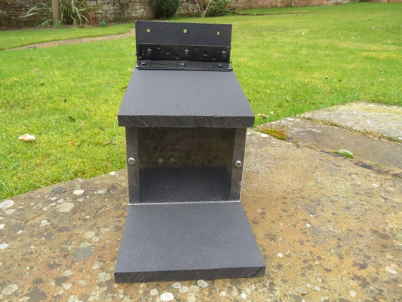 SQUIRREL FEEDER BOX STARTER KIT 100/% RECYCLED PLASTIC ALL PROCEEDS TO CHARITY
