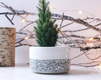 Plant Pot with grey pebble design