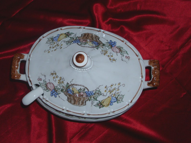 Garlands Made in Japan A Very Large Very Beautiful Vintage  Pedestal  Ceramic Tureen with Lid and Ladle Featuring Fruit Baskets Flowers