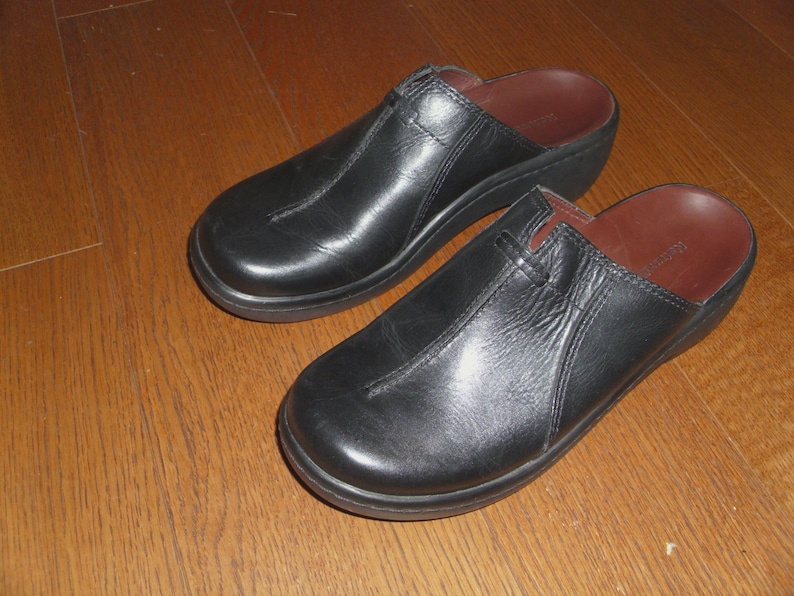 5ca7140043ea3 Naturalizer SCHOLAR Black Leather Womens Shoes Mules Clogs or Slides Size  7W Made in Brazil