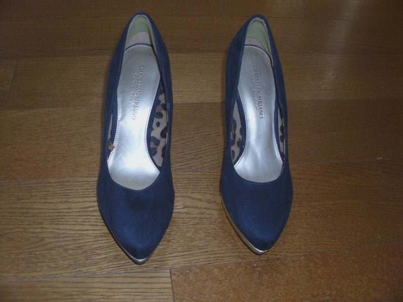 835a97b599060 A Pair of Fabulous Christian Siriano for Payless Deep Blue Suede. Gold  Platform, High Heels Women;s Shoes Pumps Size 8 1/2
