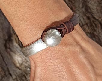 Women Leather Bracelets, Everyday Bracelets for Women, Silver Bracelets, Everyday Jewelry, Beaded Bracelets, Zamak Bracelets, Gifts for Her