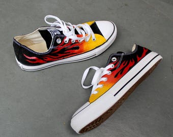 5b7d71383d809e CUSTOMIZED HANDPAINTED SERVICE on Converse High tops Stan Smiths