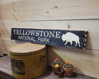 YELLOWSTONE NATIONAL PARK Distressed Wood Sign/Buffalo/Bison/Rustic/Cabin/Lodge/Camping/Wyoming/décor/Home