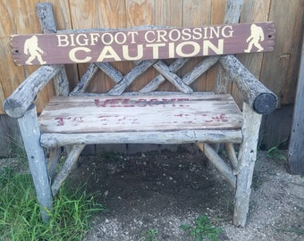 Bigfoot/Sasquatch Distressed Wood Sign/Rustic/Cabin/Lodge/Camping/Vintage