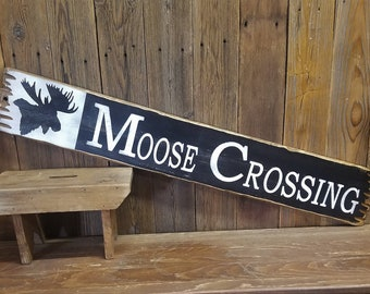 Lodge Sign Cabin Sign MOOSE CROSSING Rustic Wood Sign Moose head Moose decor Cabin decor Lodge decor Rustic Wood Sign