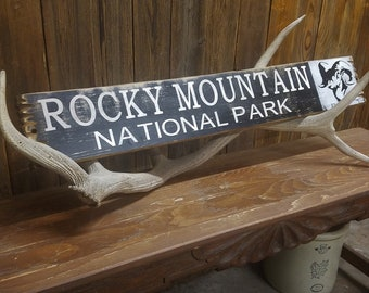 ROCKY MOUNTAIN National Park Distressed Wood Sign,Colorado decor,Ram,Cabin sign, Lodge sign, Ranch sign,Rocky Mountain Sheep, Cabin decor