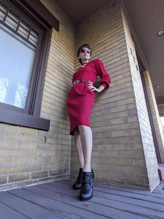 Vintage 70's Stunning Designer Goldworm Red Knit D