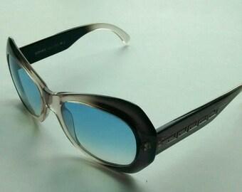 012f0c0046 Vintage Versace Model 737 Colour 670 Sunglasses