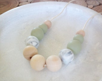Silicone and wood beaded necklace //moss green and marble// aromatherapy necklace // gift for her