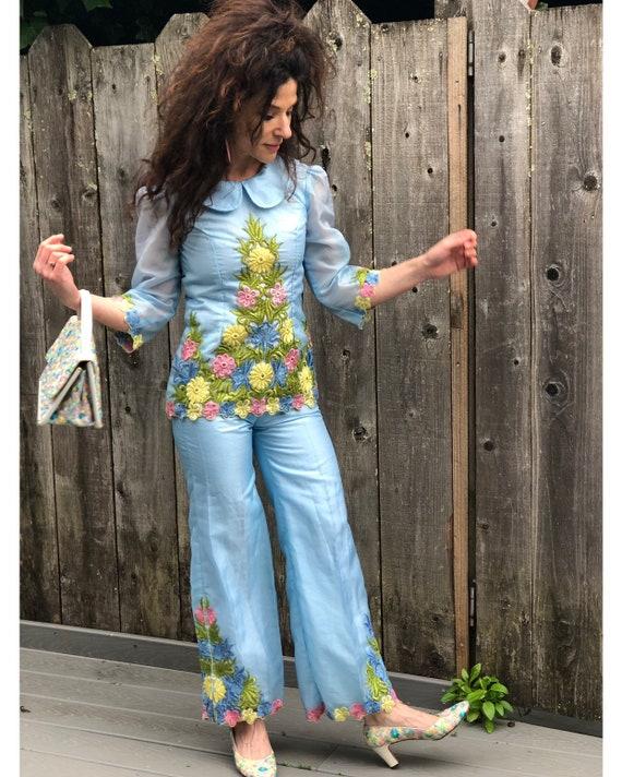 Vintage 1960s Set// Floral Embroidery// Flares//P… - image 2