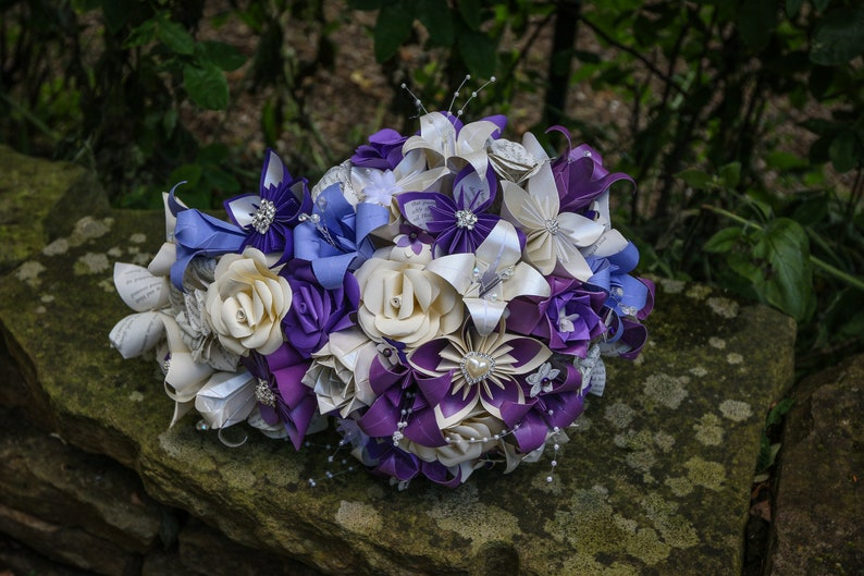 Teardrop wedding Bouquet, cascading wedding bouquet Made with paper  flowers, paper roses, rustic wedding, small teardrop bouquet