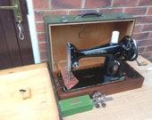 Vintage Singer 201, 201K3 Centennial hand crank sewing machine, Old singer sewing machine