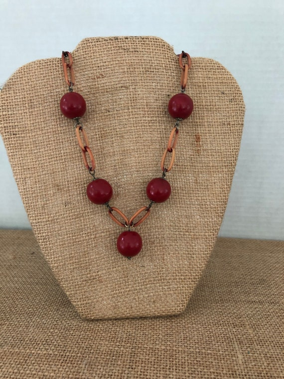 Vintage 1940's Red Wood Balls on Celluloid Link Ne
