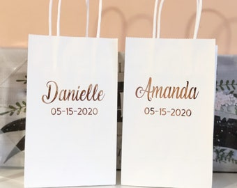 Bridesmaids Rose Gold medium gift bags/bridesmaid gift bags/rose gold gift bags/Personalized Gift bags/Custom Gift bags/Bridesmaid gifts