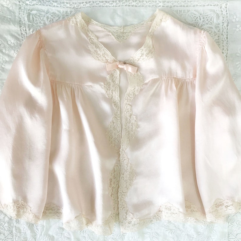 UK 8-10 Vintage 1940/'s Light Pink Lace Trim Bed Jacket Sold As Is Small