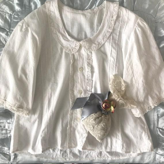 Sweet 1930's/40's Hungarian Cotton Lace Trim Blous