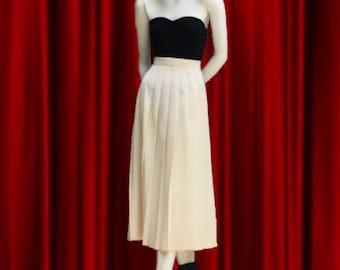 Long pleated skirt vintage Saks Fifth Avenue