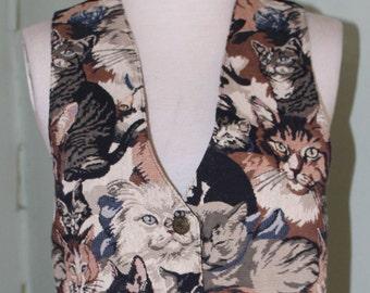 """sm/med., vintage 1990's cat patterned brocade vest, 35"""" bust"""