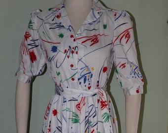 """SZ small, Sassy 1970's dress with belt, 26"""" waist"""
