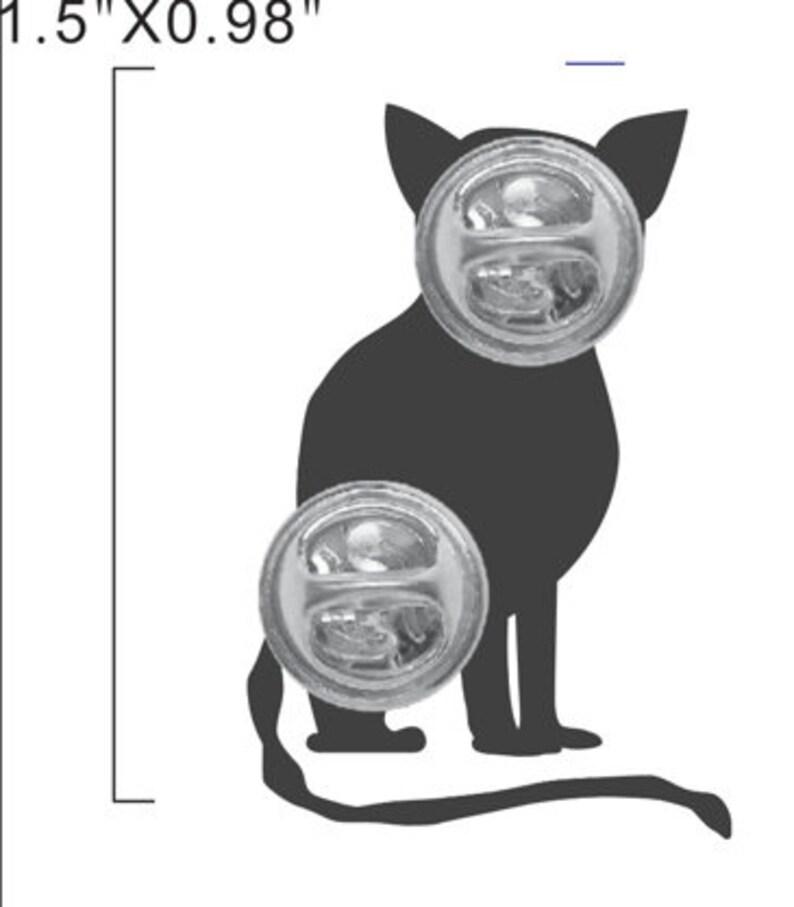 Cheshire cat lapel pin image 2