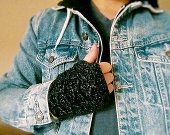 Criss Cross Gloves Crochet Pattern ~ PDF