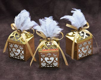 Gift Boxes with Ribbon and feather adeb600995b3d
