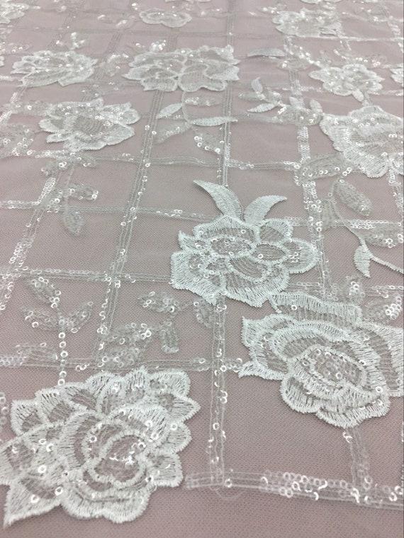 Tissu de haute qualité en en en Tulle Ivoire avec des paillettes. Robe de mariée en tissu. Dentelle florale. Rose fleurs de dentelle. Tissu de dentelle de Chantilly, a73052