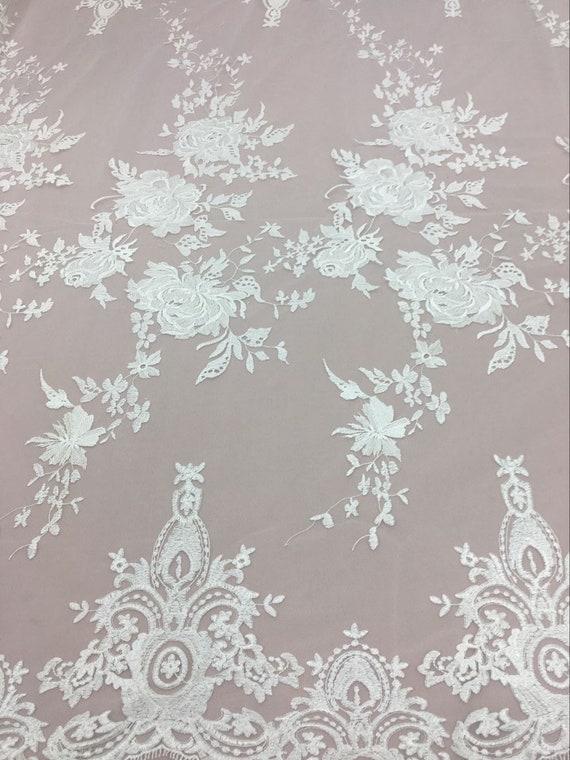 Une verge luxueux Embroidered.Floral Off White Lace Fabric.Wedding robe robe robe dentelle tissu Chantilly mariée dentelle b06829