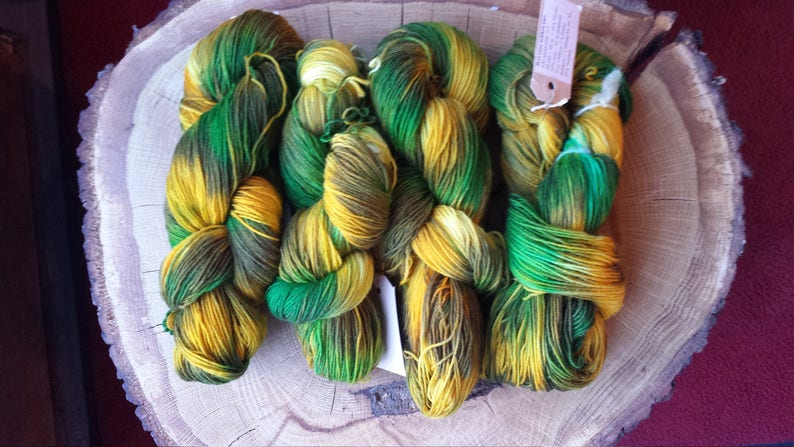 handdyed  75 Wool 25 Polyamid 100g 3.5 oz SPEARMINT SockYarn