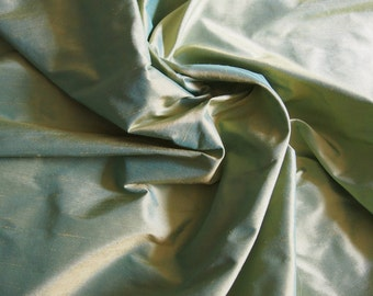 Iridescent yellow silk taffeta fabric in 140 cm sold by the meter