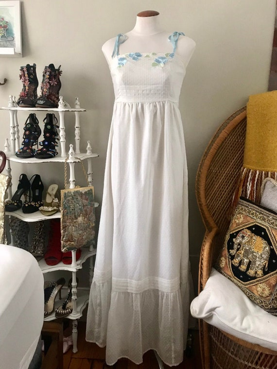 vintage long white strapless embroidered vicky vau