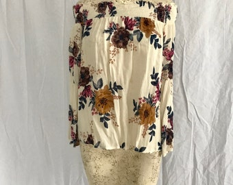 off the shoulder floral top with bell sleeve size extra small/small