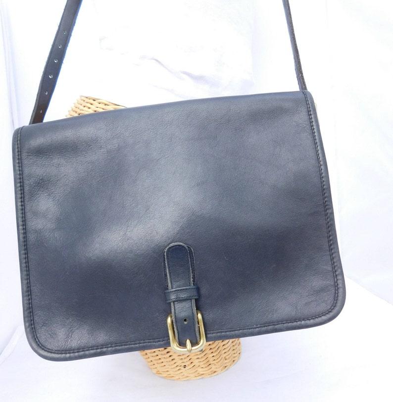 97dcb60a10 Vintage Coach Bonnie Cashin rabat noir boucle bandoulière sac   Etsy