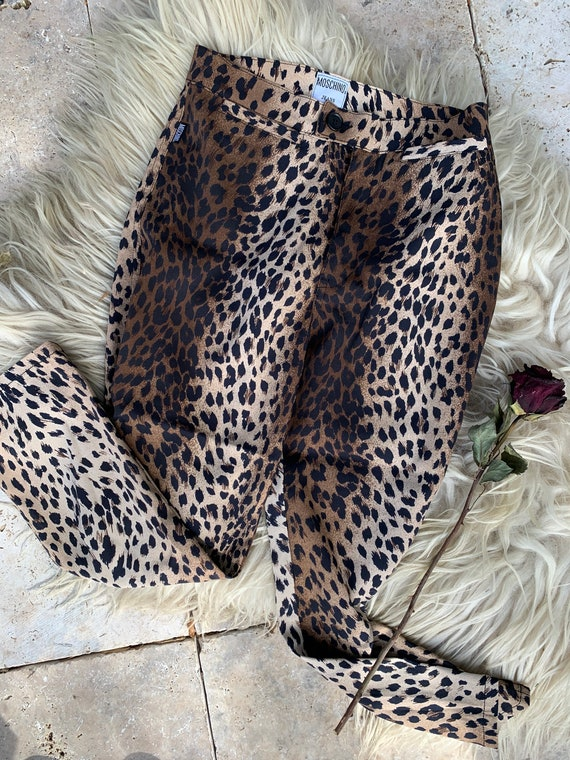 Vintage 90s Moschino cropped leopard print pants - image 1