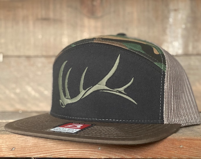 Game On 7 panel Flat Bill bull elk shed  (snap back hat) embroidered