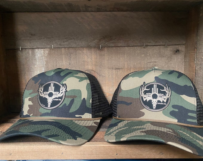 Retro trucker SnapBack hat with rope. Available in NM elk and buck design