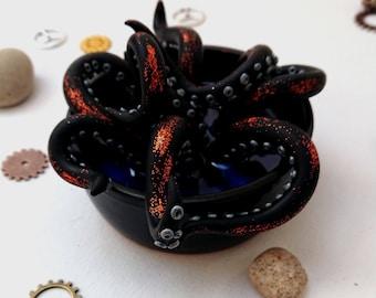 Lil Pot O'Tentacles - black in blue