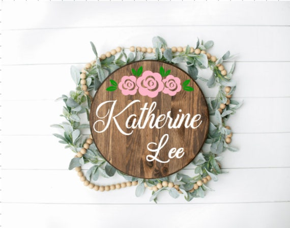 Round Nursery sign. Personalized round wood sign. custom baby girl name sign. Baby gift. Baby name sign for over the crib. Round name sign