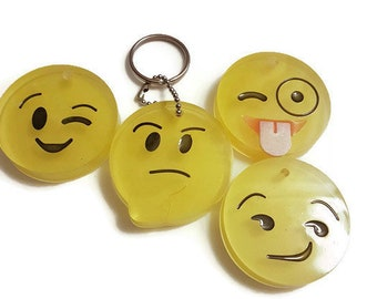 Lovely Emoji Emoticon Amusing Key Chain Toy Pendant Bag Accessory Gift Fn Luxus-accessoires