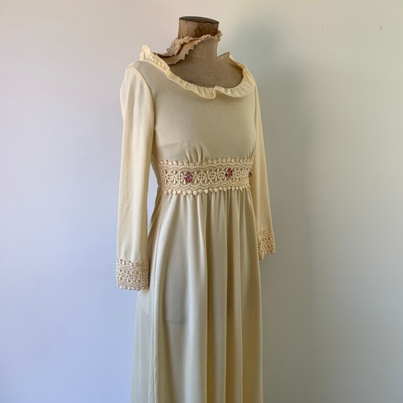 1970s Boho Flower Dress - image 8