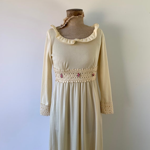 1970s Boho Flower Dress - image 2
