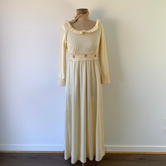 1970s Boho Flower Dress - image 1
