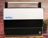 Vintage Holiday Solid State Multi-Band AC DC World Time Radio, 1970 39 s, 13 quot (B)-6-28