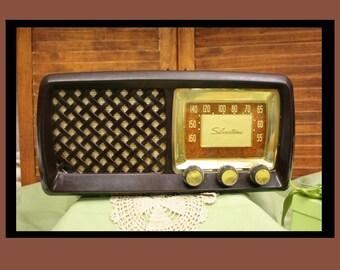 5271932a0057 Vintage Sears Silvertone Bake Light Radio