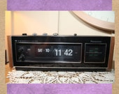 Vintage 1971 Panasonic National IC Premium Model 6493 AM FM Flip Clock Radio, Alarm Clock Radio, Tested, 13 quot B3-6-27