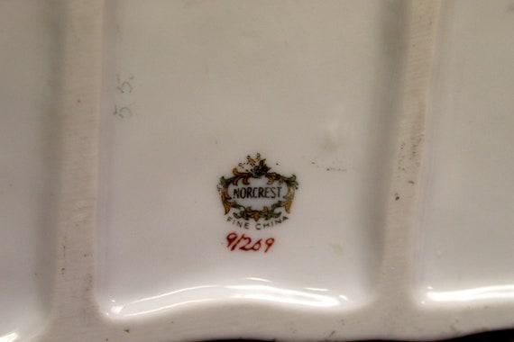 Vintage Norcrest Porcelain 2 White Parakeets on Branch 1950/'s     B55-6-10 6.5